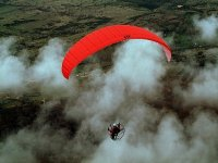 动力伞从后面卡米诺圣地亚哥paramotoe