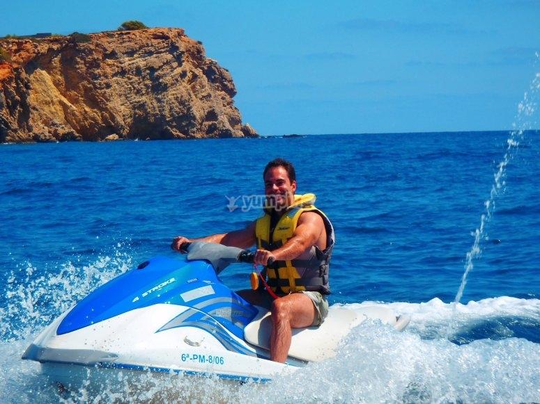 Conociendo Ibiza en moto de agua