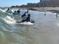 Haciendo bodysurf
