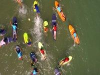 Vista aerea de las clases de surf