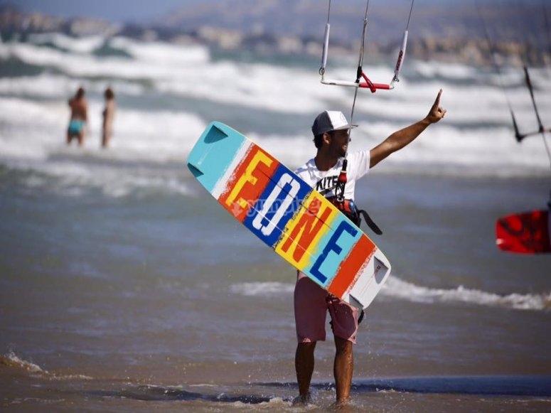 Corso di kitesurf sulla spiaggia di Dénia