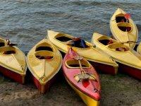 岸上划皮艇