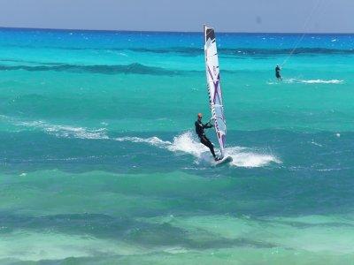 Curso de windsurf intermedio en Corralejo 2 días