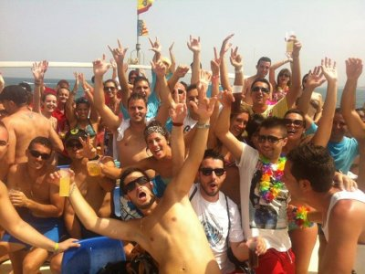 Boat Party + Cena + Pack fiesta disco