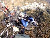 在哈恩(Jaen)享受滑翔伞飞行