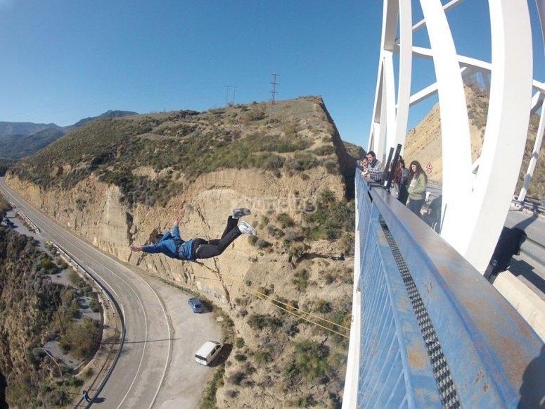 Bungee jumping in Gador