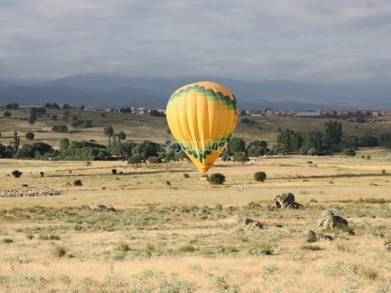 Comenzando la sesion de vuelo en globo en Madrid