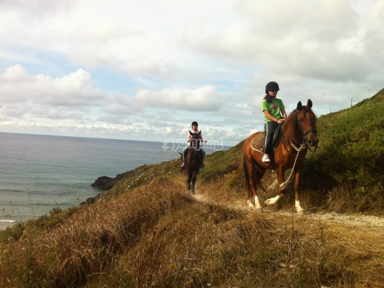 Tour a caballo por playa de Llanes