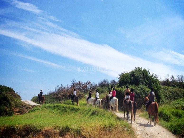 Excursión a caballo en Celorio