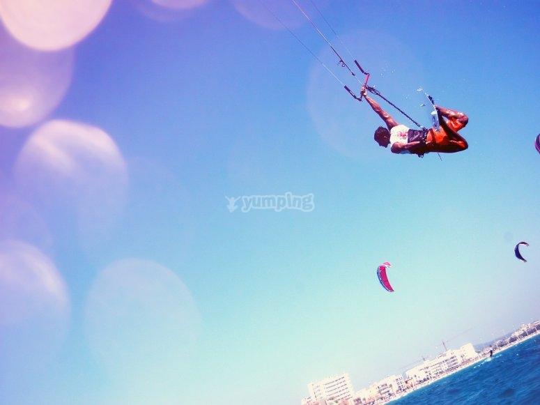 Acrobacias en kitesurf