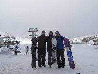 随着滑雪站的滑雪板