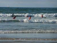 Esperando las mejores olas con las tablas de surf