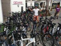 Alquiler y ruta guiada en bici