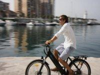 Visita guiada en bici en el paseo marítimo