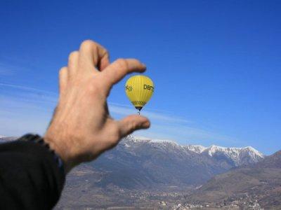 气球飞行在巴塞罗那,1小时