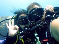 穆尔西亚的潜水员夫妇