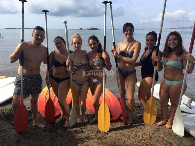 准备在三角洲划桨冲浪del Ebro