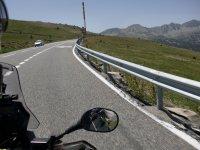 Camino hacia Andorra en moto