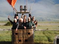 Grupo de amigos en cesta