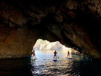 在Roca Foradada划船冲浪,3个小时