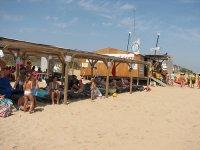 Instalaciones en la playa de Oliva