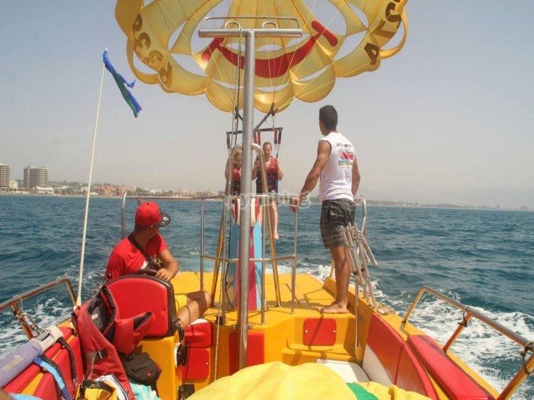 Torremolinos的帆伞运动