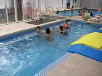 课堂学习游泳