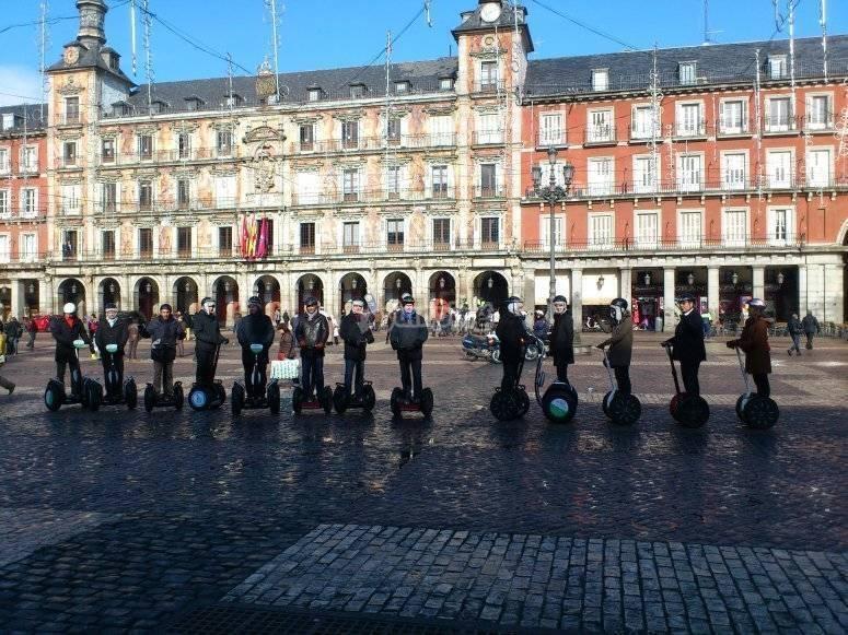 Evento segway en la Plaza Mayor de Madrid