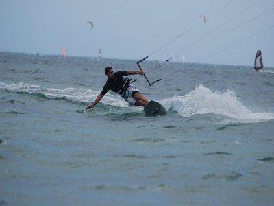 Curso de perfeccionamiento de kitesurf, Tarifa, 3h