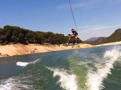 Corso di wakeboard al bacino idrico di San Juan 1h