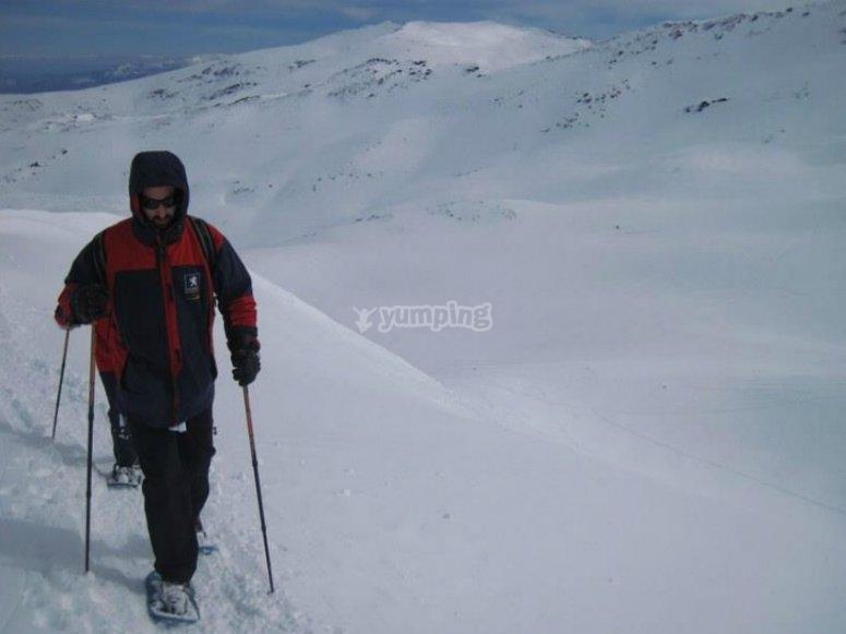 Rutas en raquetas de nieve hacia el Pico Veleta