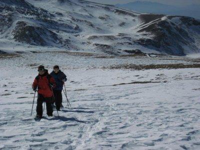 La Hoya de la Mora的雪鞋行走3小时