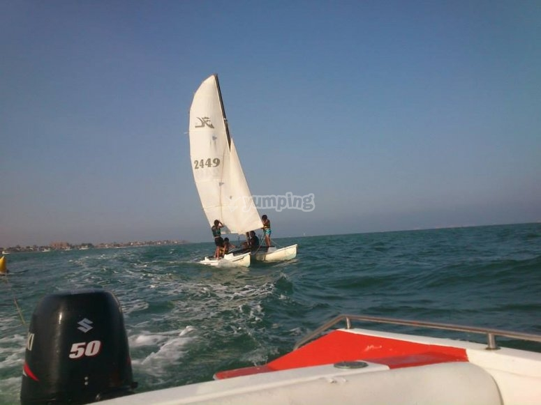 Pratique avec le catamaran