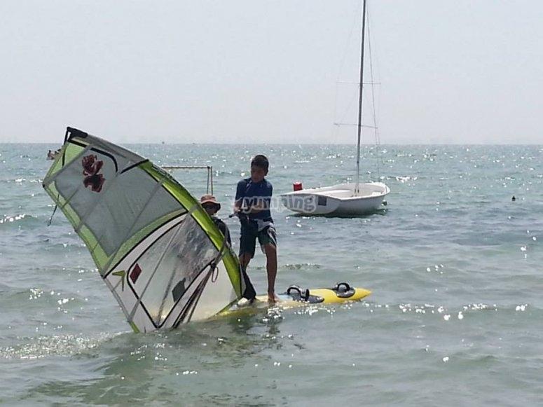 Become an expert windsurfer