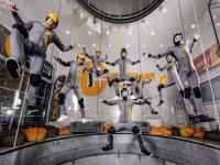Instructores volando en el túnel