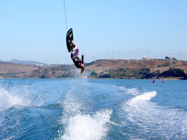 Disfrutando con el wakeboard