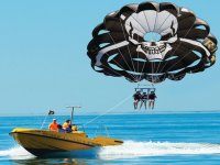 乘船滑翔伞