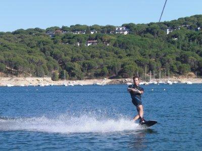 Sesión de wakeboard embalse de San Juan 15 minutos