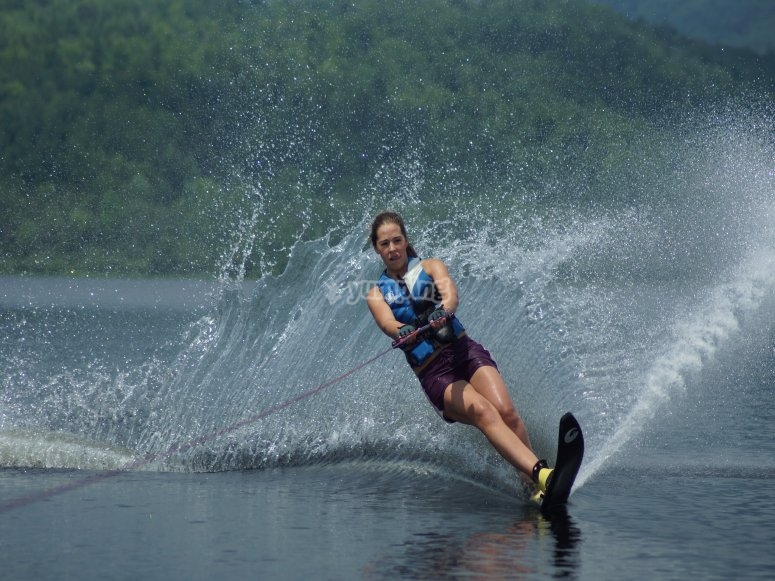 Doing manouevres with the water skis