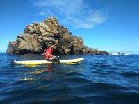 Kayak individual en la costa de la Muerte