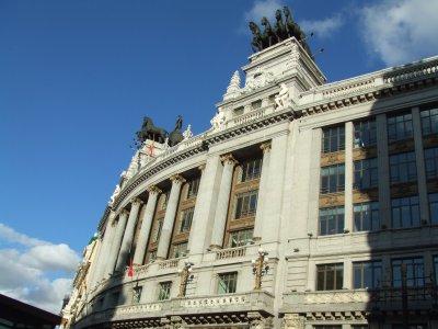 Ruta por los edificios más poderosos de Madrid