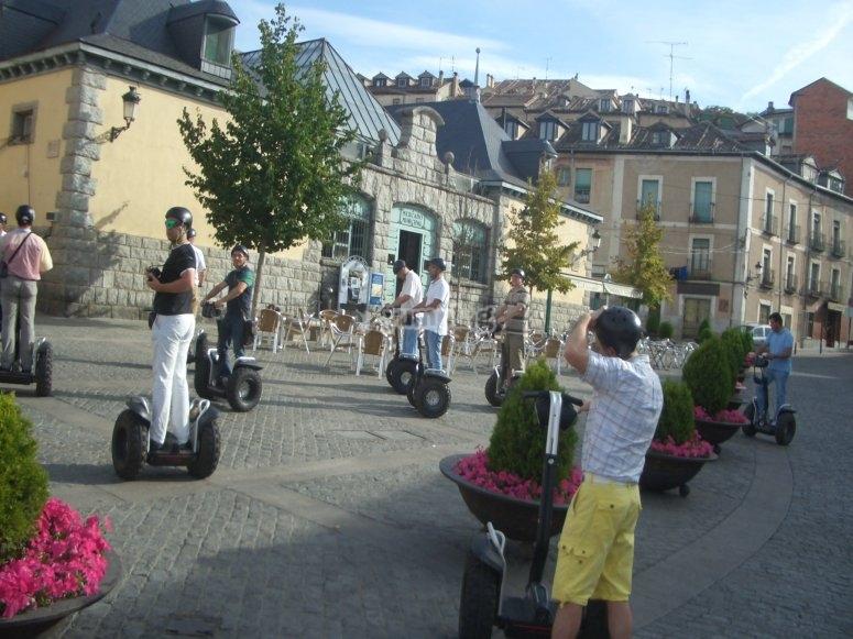 Grupo en segway en Segovia