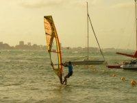 学习与孩子们同船帆板学习帆板