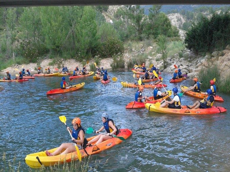 Grupo excursión kayak río Cabriel