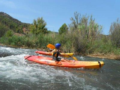Descenso en kayak aguas bravas río Cabriel