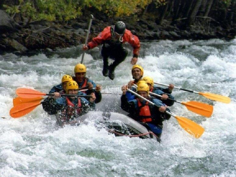 Descenso de rafting en el Noguera
