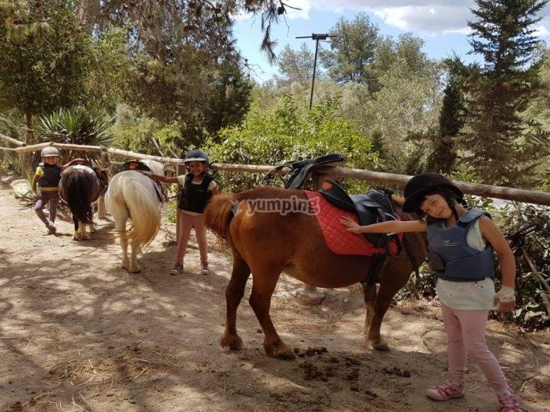 Ruta en poni para niños