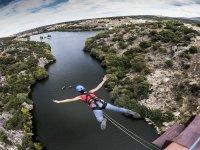 Saltar desde puenting en San Rafael
