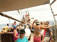 马略卡岛帆船的乘客