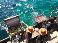 拉里卡在马略卡岛烧烤